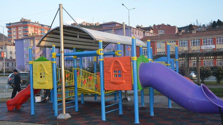Of Belediyesi'nden engelli çocuklar için özel oyun parkı