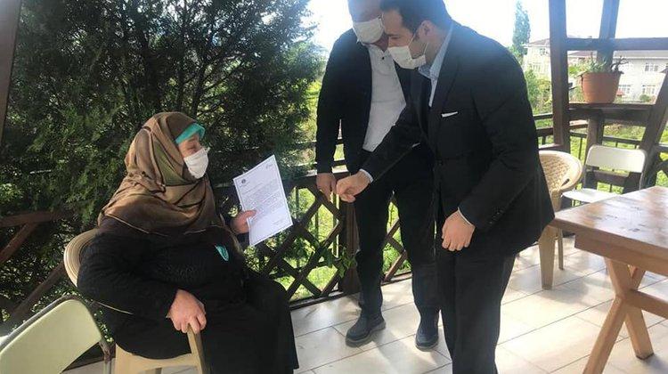 Kaymakam Fırat ve Başkan Sarıalioğlu'ndan şehit annesine anlamlı ziyaret