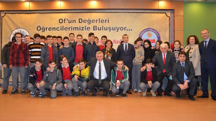 Avrasya Üniversitesi Rektörü Aşkın Asan Oflu öğrencilerle buluştu