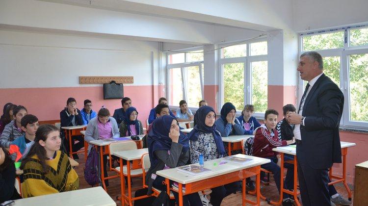 Başkan Sarıalioğlu, Taşhan Mesleki ve Teknik Anadolu Lisesini Ziyaret Etti