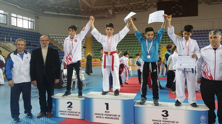 Oflu Genç Karateciler başarıya doymuyor