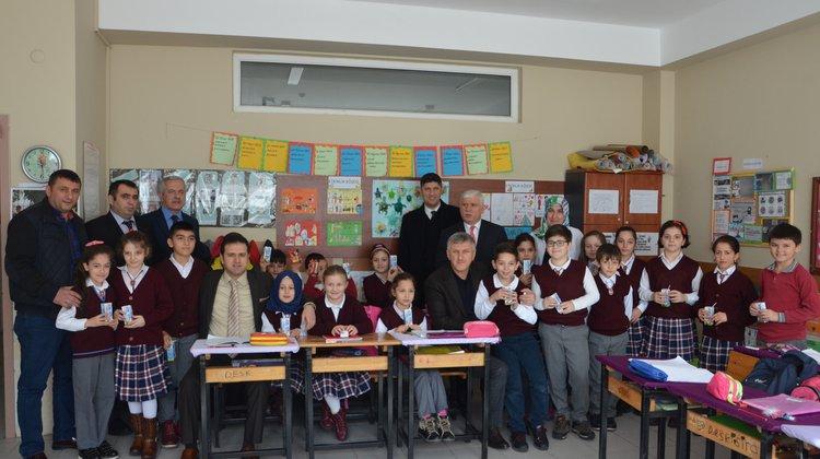 Of'ta 'Okul Sütü' dağıtımına başlandı