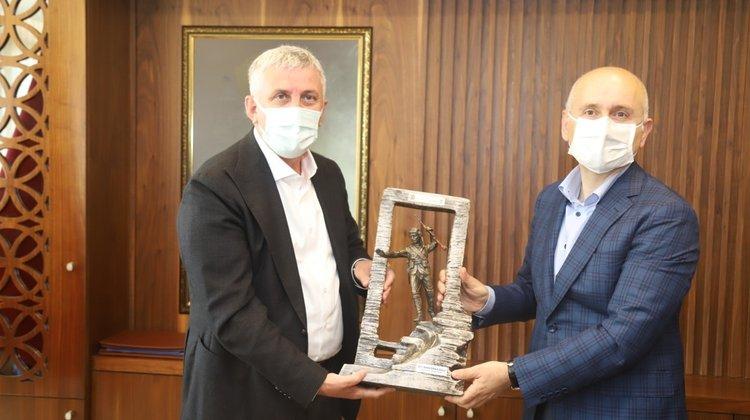 Ulaştırma Bakanı Karaismailoğlu baba ocağı Of'ta