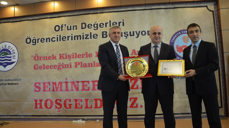 KTÜ Rektörü Prof. Dr. Süleyman Baykal Oflu öğrencilerle buluştu