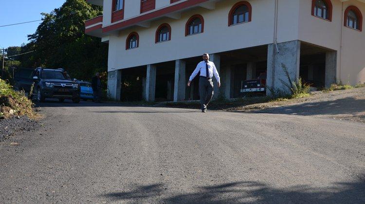 Of'ta Mahalle Yolları Asfalt Çalışmaları Devam Ediyor
