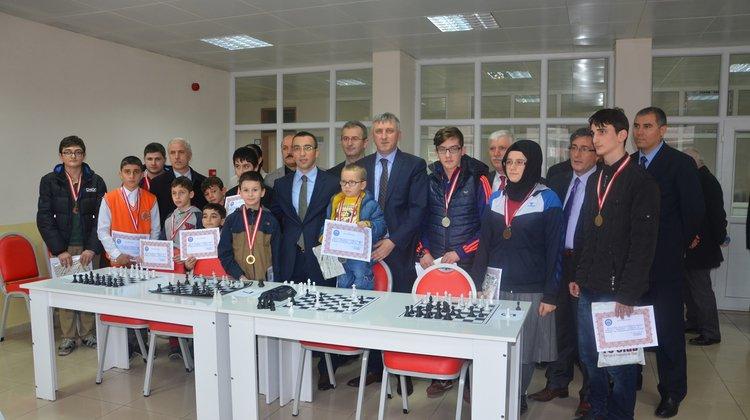Okullar Arası Satranç Turnuvası Yapıldı