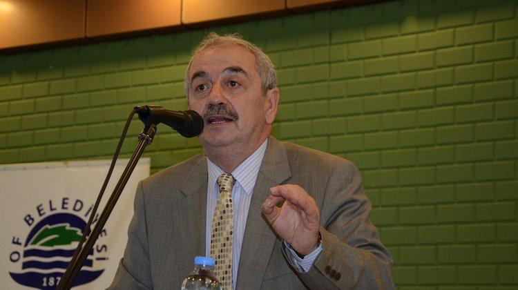 Sosyoloji Profesörü Mehmet Emin Köktaş Of'ta