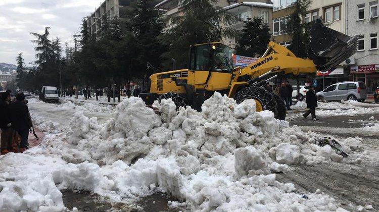 Of Belediyesi Kar Mesaisine Devam Ediyor