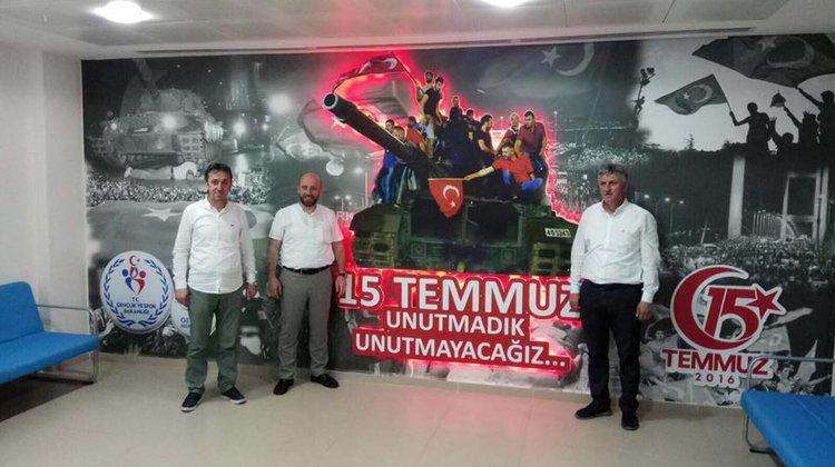 Başkanlardan Of Gençlik Merkezine ziyaret