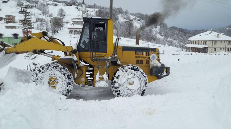 Of'ta Yoğun Kar Mesaisi