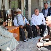 Başkan Sarıalioğlu, yaşlıları yalnız bırakmadı