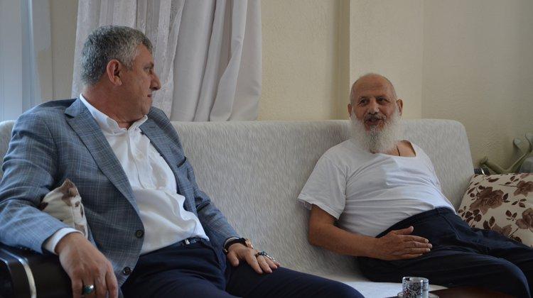 Başkan Sarıalioğlu'ndan geçmiş olsun ziyareti