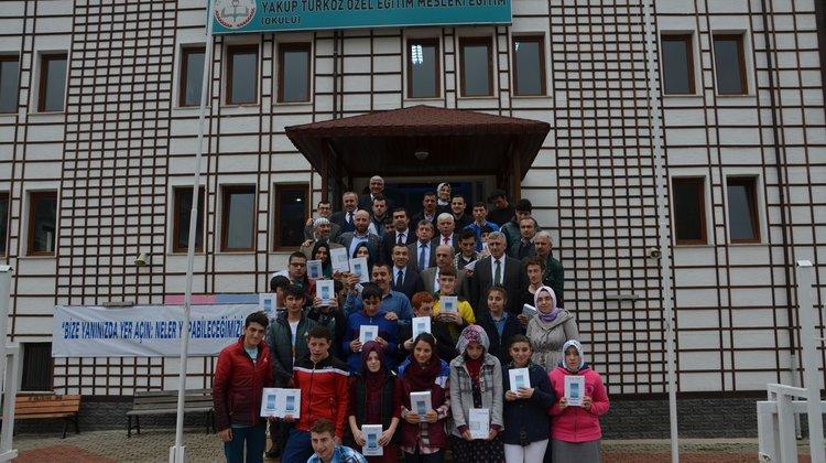 Yakup Türköz Özel Eğitim öğrencilerinin tablet sevinci