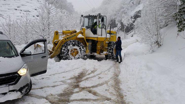 Of Belediyesi Karla Mücadeleye Başladı