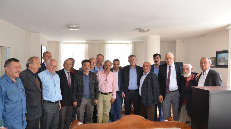 Başkan Sarıalioğlu Of Muhtarlar Derneğini Ziyaret Etti