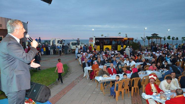 Oflular, Büyükşehir Belediyesi'nin iftarında buluştu