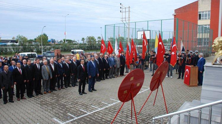 29 Ekim Cumhuriyet Bayramının 93. Yıldönümü Kutlamaları, Çelenk Sunma Töreni İle Başladı