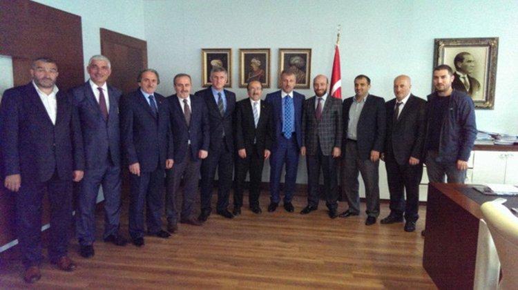Sarıalioğlu'ndan Başkan Gümrükçüoğlu'na tebrik ziyareti