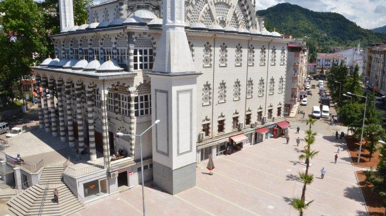 Of Çarşıbaşı Camii meydanına kavuştu