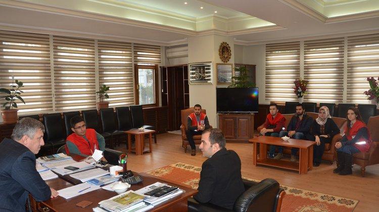 Kızılay Gençlik Kolları Başkan Sarıalioğlu'nu Ziyaret Etti