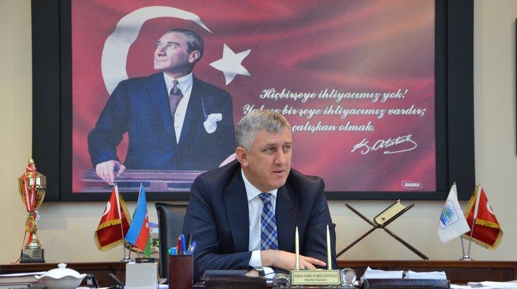 Başkan Sarıalioğlu'ndan İstiklal Marşı'nın Kabulü ve Mehmet Akif Ersoy'u Anma Günü Mesajı