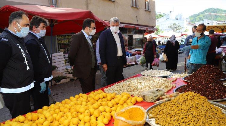 Of Halk Pazarına Kaymakam Fırat ve Başkan Sarıalioğlu'ndan Koronavirüs Denetimi