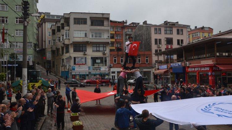 Atatürk'ü Anma, Gençlik ve Spor Bayramı Of'ta Coşku ile Kutlandı