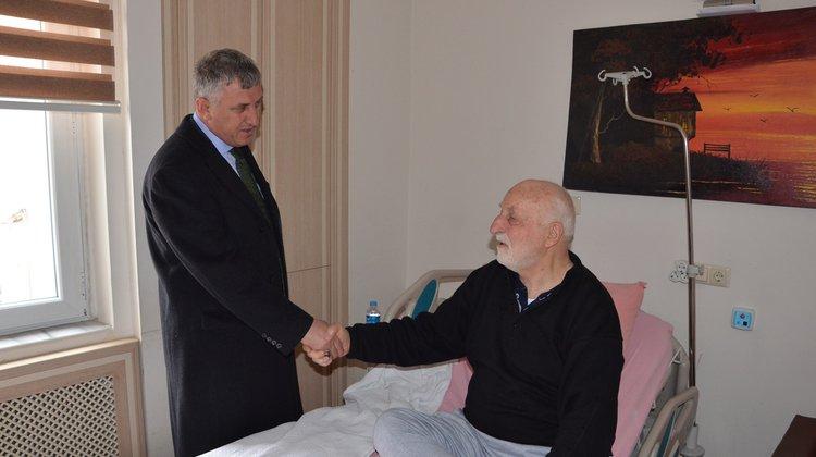 Başkan Sarıalioğlu'ndan hasta ziyareti