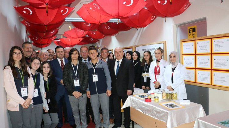 Şehit Necmi Çakır Anadolu Lisesi Öğrencilerinden Bilim Fuarı