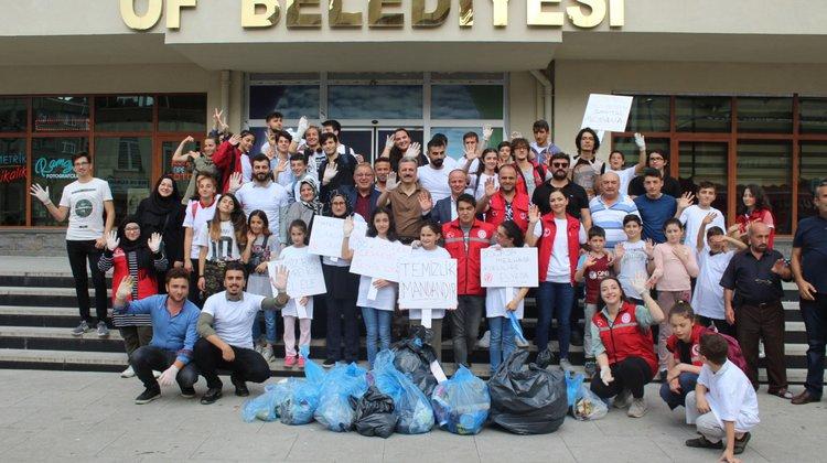 Of'ta Sosyal Medyadan Sosyal Meydana projesi ile çevre temizliği