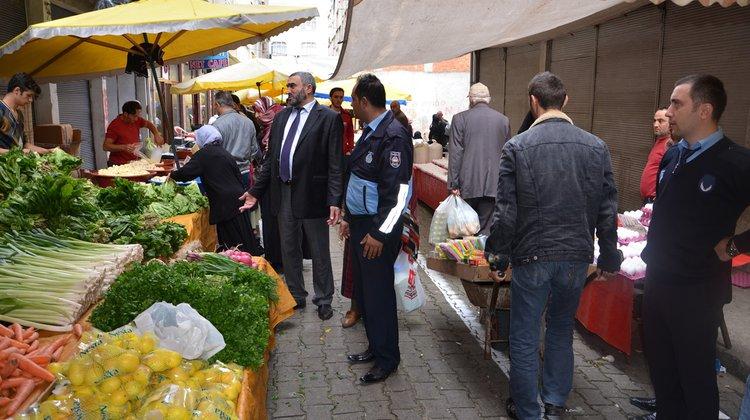 Of Belediyesi Zabıta Müdürlüğü Ekipleri Semt Pazarlarını denetlemeye devam ediyor
