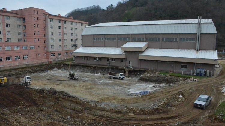 Of Yarı Olimpik Yüzme Havuzu'nun inşaatı sürüyor!