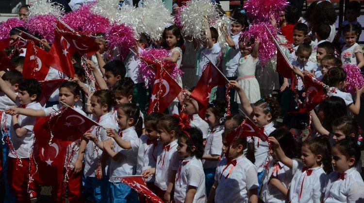 Of'ta 23 Nisan Kutlamaları