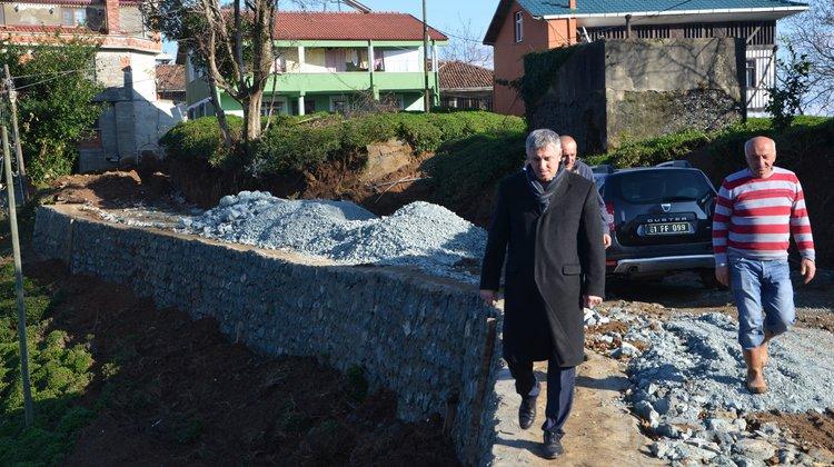 Yukarıkışlacık Mahallesi'nde Yol Açma ve Taş Duvar Çalışması