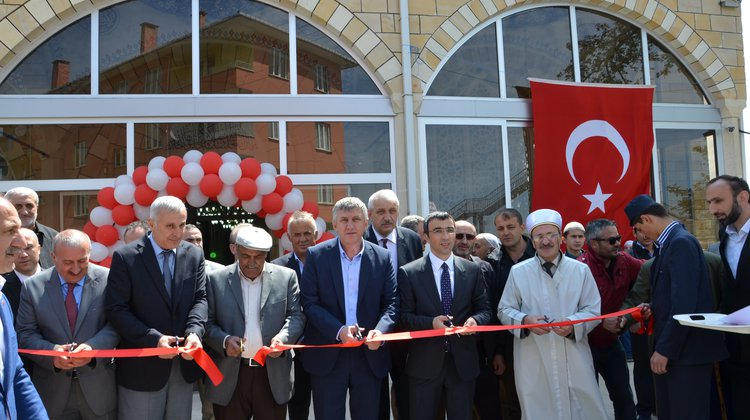 Eskipazar Kavak Camii yenilenerek ibadete açıldı