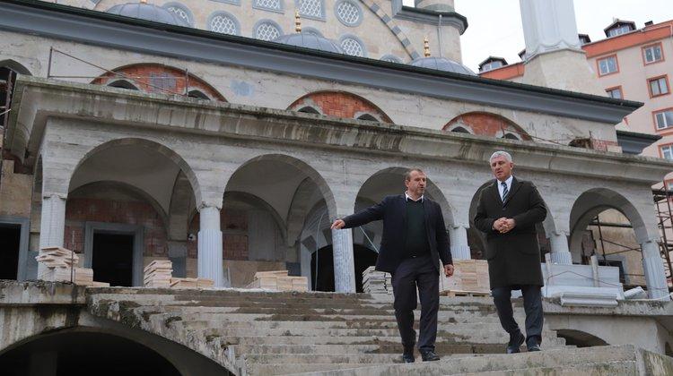 Başkan Sarıalioğlu, İrfanlı Mahallesi Camii inşaatının son durumunu inceledi