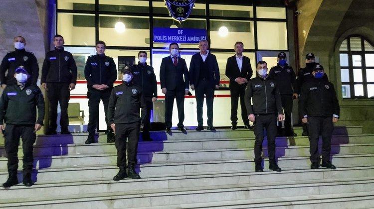 Of'ta Polis ve Bekçilerin bayramını kutladılar