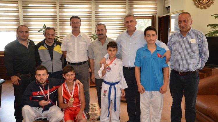 Milli Sporculardan Başarı Ziyareti