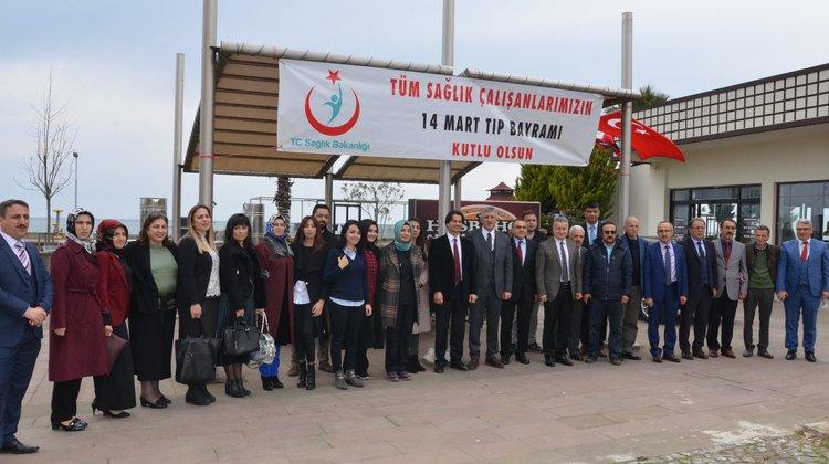 Başkan Sarıalioğlu ve Kaymakam Fırat Sağlıkçılarla buluştu